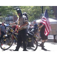 Новый герой из Сиэтла возвращает велосипеды владельцам